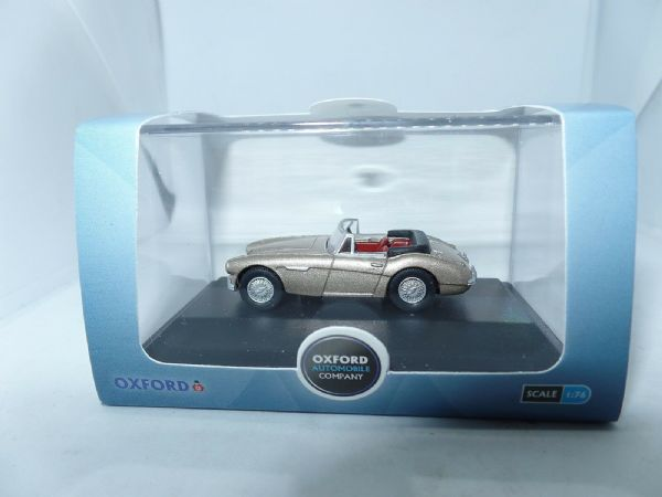 Oxford 76AH3005 AH3005 1/76 OO Scale Austin Healey 3000 Metallic Golden Beige